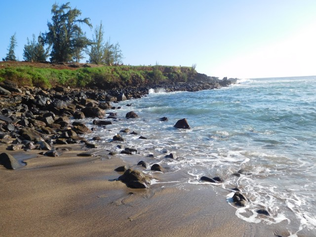 glass_sand_beach_hawaii