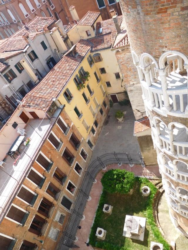 Scala_Contarini_del_Bovolo_venice_3