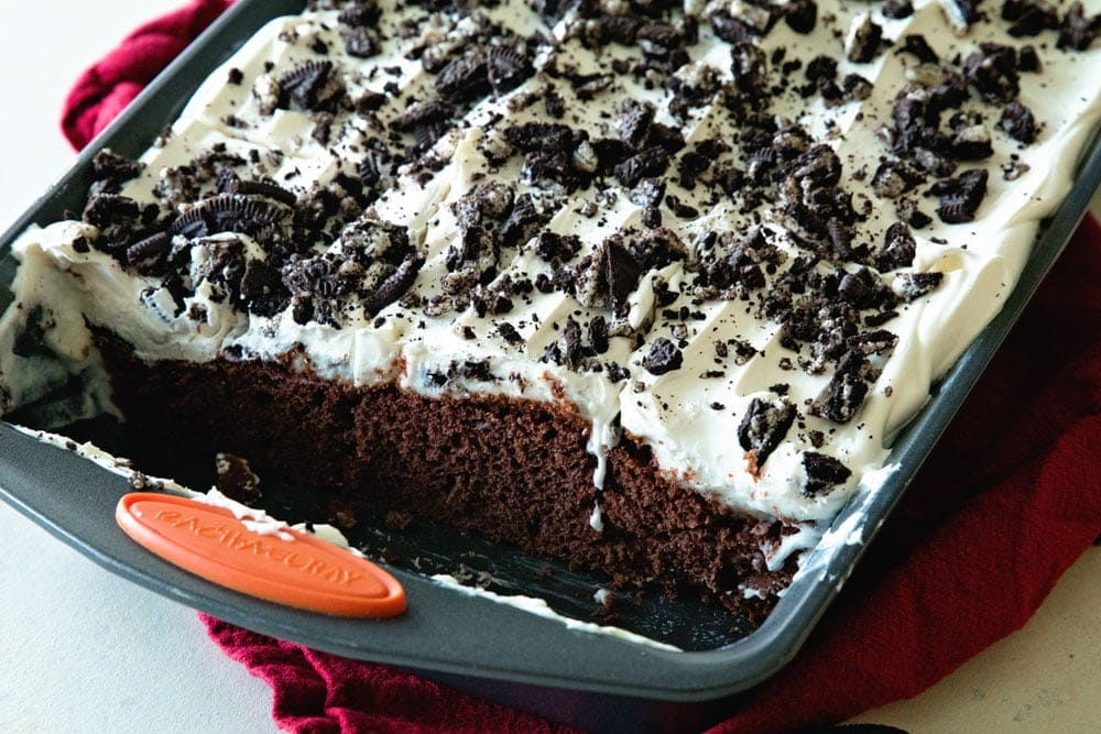 Oreo Puddin' Poke Cake ~ Chocolate Cake Topped with Oreo Pudding, Cool Whip and Crushed Oreos! Quick, Easy Poke Cake That Everyone Will Love!