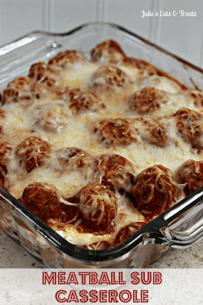 Meatball Sub Casserole ~ Hearty, classic casserole perfect for those days when you just need comfort food! via www.julieseatsandtreats.com #recipe #casserole