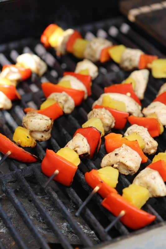 Grilled-Balsamic-Chicken-Skewers-on-the-Barbecue-e1434576791174