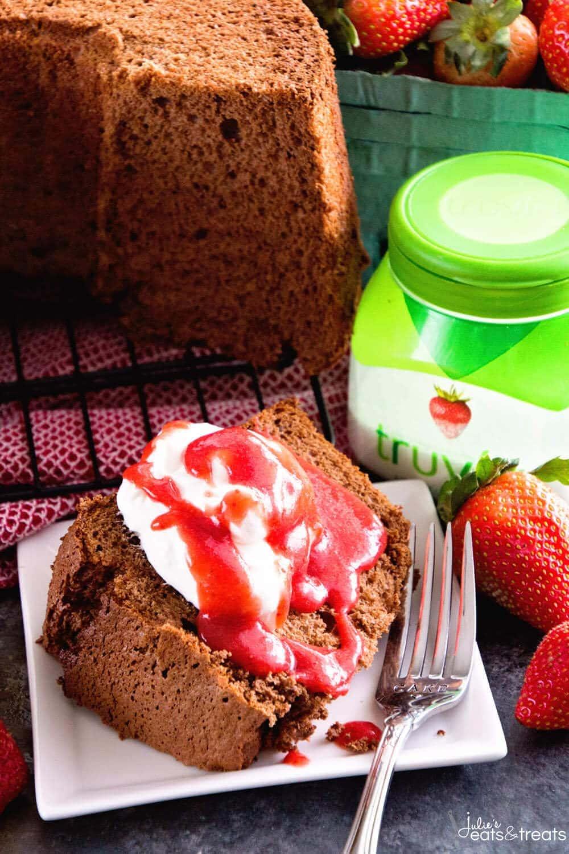 Chocolate angel food cake with strawberry sauce video julie 39 s eats treats - Herve cuisine cake chocolat ...