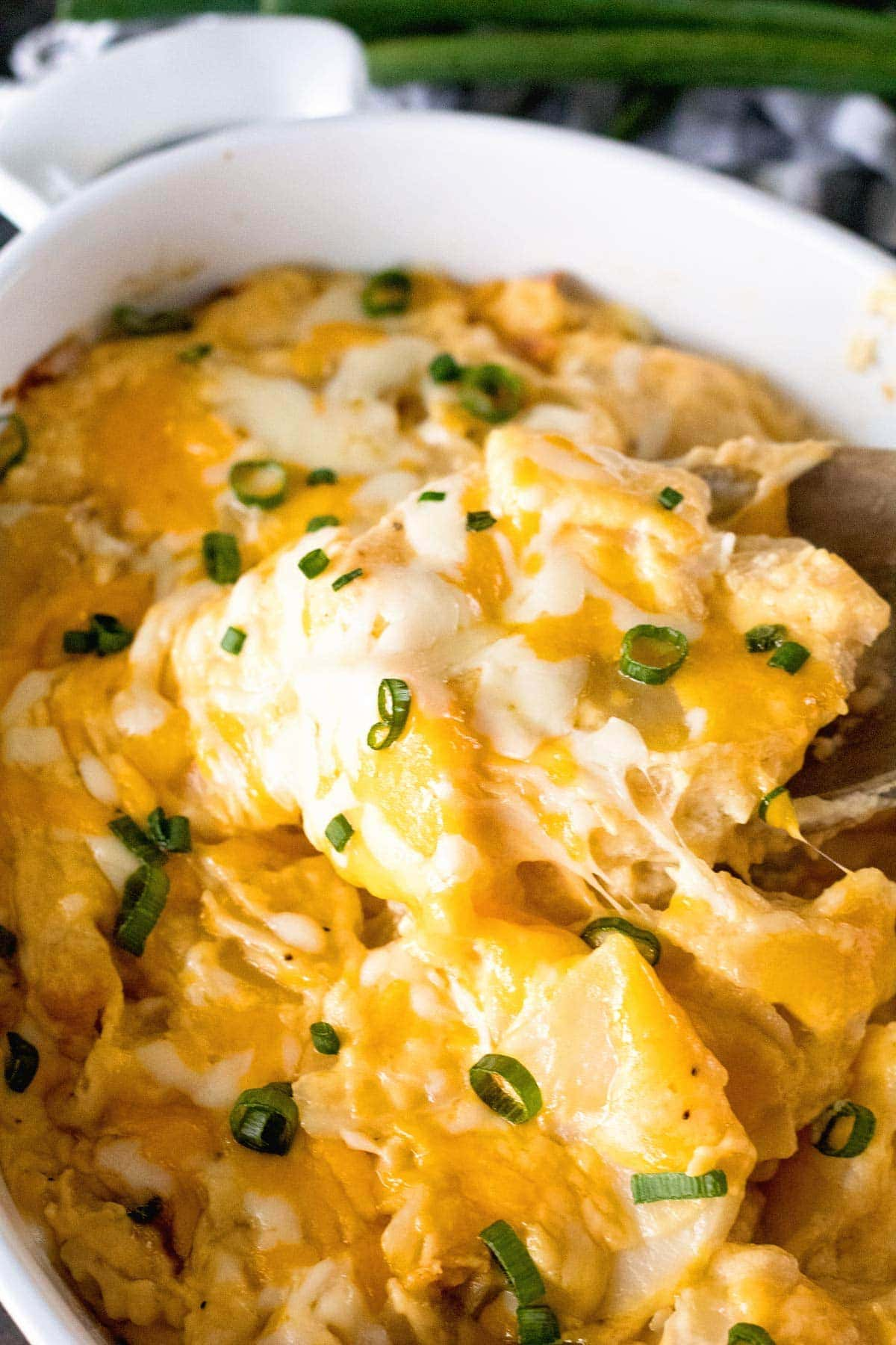 Cheesy Homemade Scalloped Poatoes Recipe is Perfect for Dinner!