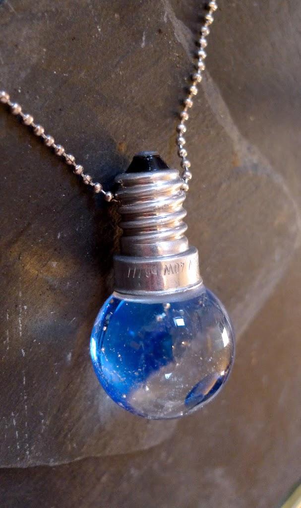 Ampoule bleue