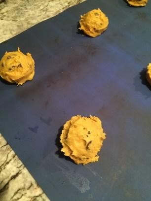 pumpkin-cookies-into-oven