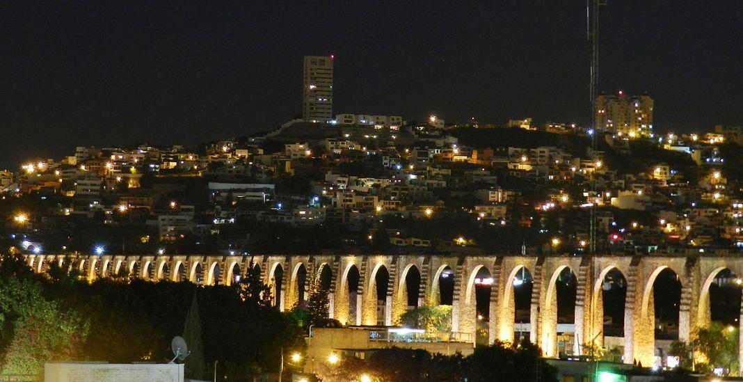 ciudad de Querétaro de noche