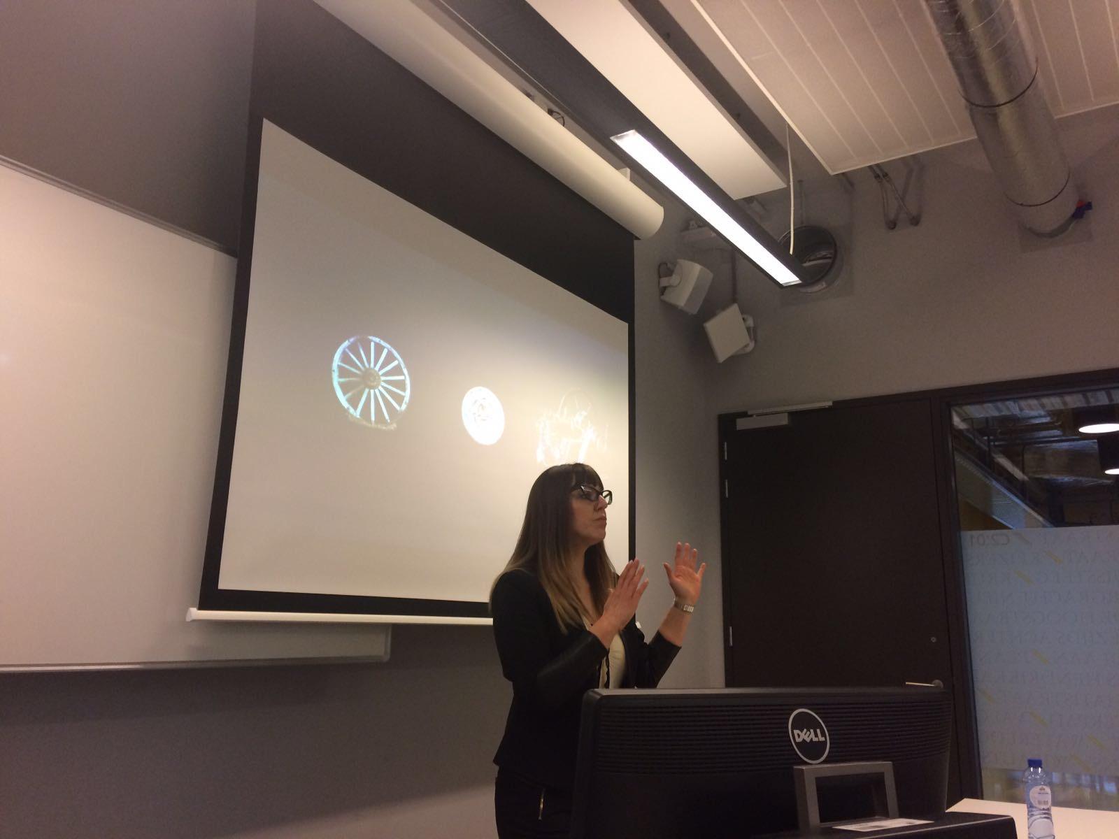 University of Amsterdam - Julita Davies :: International
