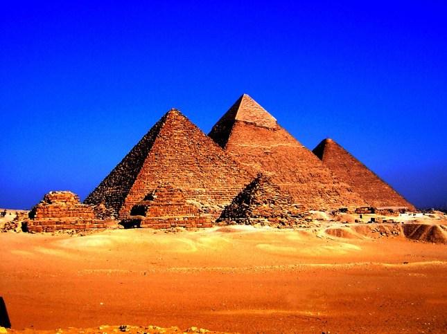 Пирамидите едно от чудесата на света Пирамидите в Египет