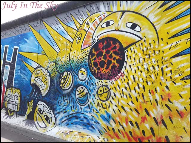 July In The Sky : blog beauté voyage berlin métropole été east side gallery tag
