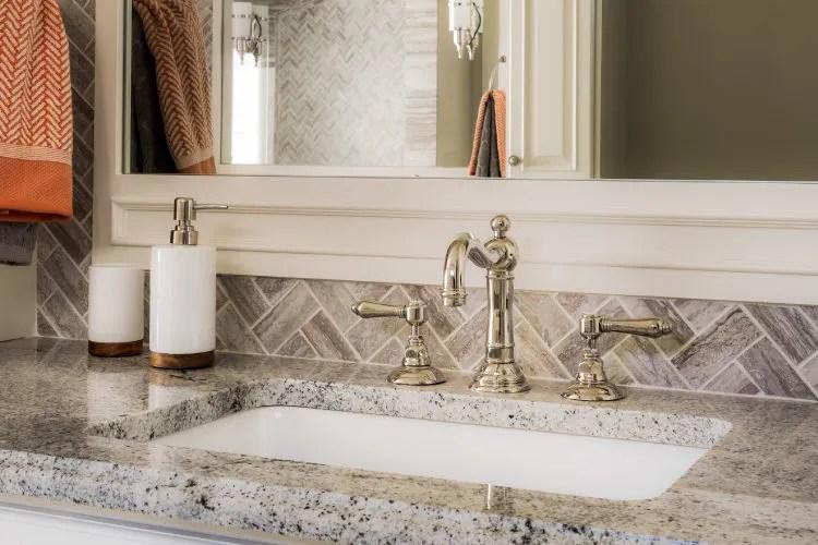 your guide to choosing bathroom countertops