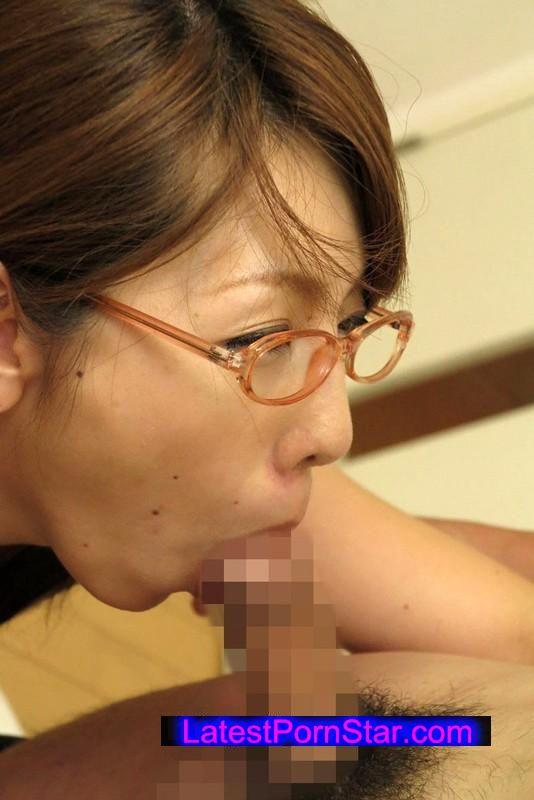 [NASS-573] 素人男女を喰らう女 男も女もお構いなしに狩りまくる淫乱熟女「結城みさ」!!