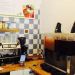 Kaffeemaschine und Slushies im Glück to go