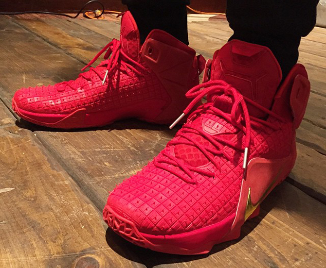 """Nike LeBron 12 """"Red October"""" First Look"""
