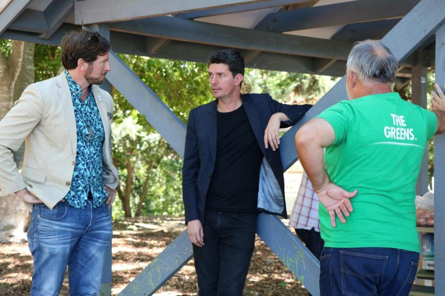 Benedict+Coyne+and+Scott+Ludlam+at+a+community+picnic+for+The+Greens+in+Dickson
