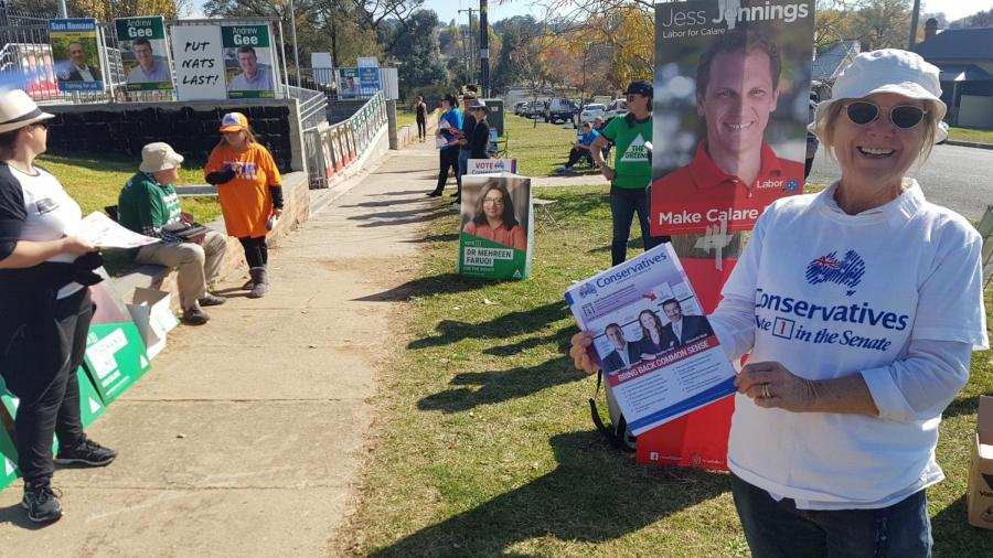 Outside an electoral booth in Bathurst, in the Calare electorate.