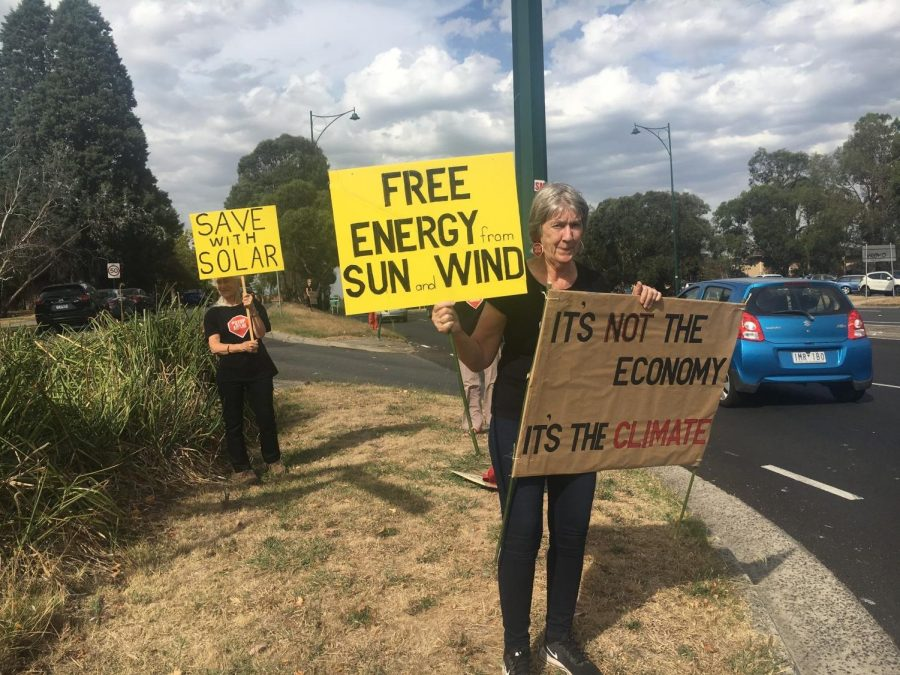 Climate+change+protestors+in+Deakin+