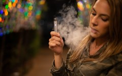 """Vaping"": a new health threat for smokers?"