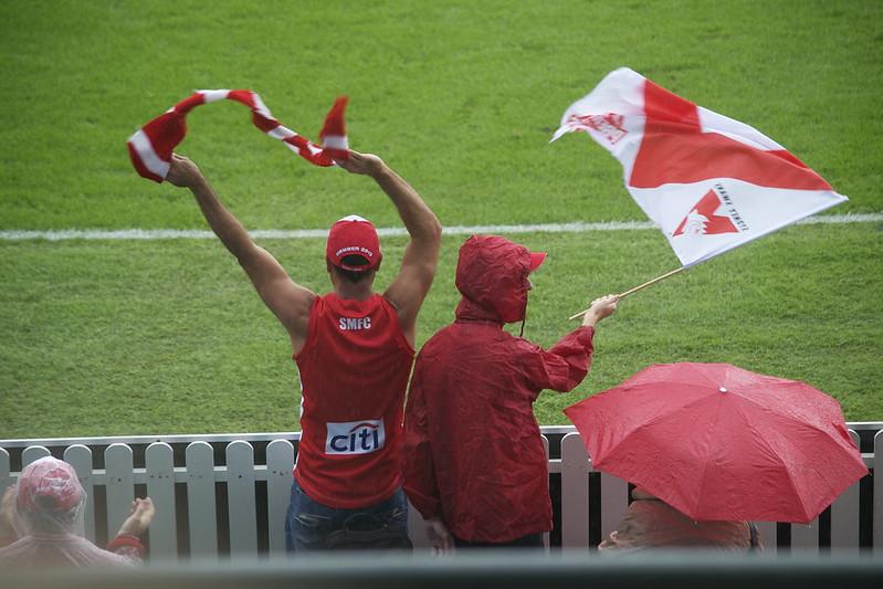 Sydney Swans fans at an AFL match. Photo: Boaz_M(CC BY-NC 2.0)