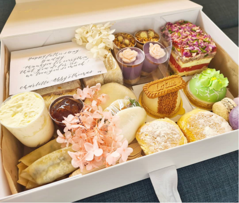 Micro businesses online during the pandemic.  High tea delivered to your door via La Creme Sweets (@lacremsweets_au) on Instagram