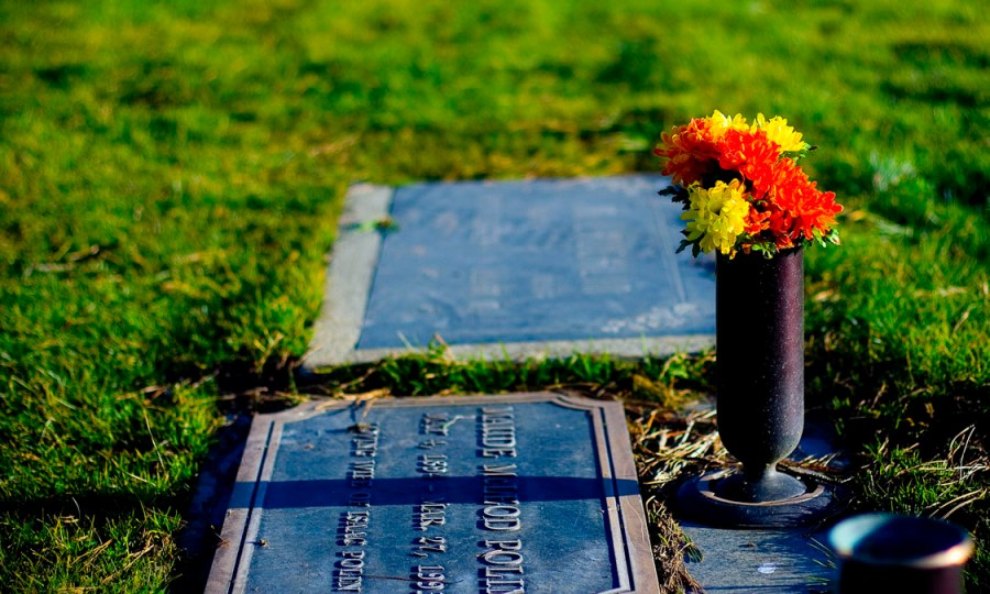 Flowers+on+a+grave