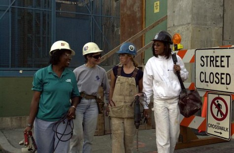 Women in the trades industry in the US state of California in 2000. Photo: Seattle Municipal Archives (CC BY 2.0)