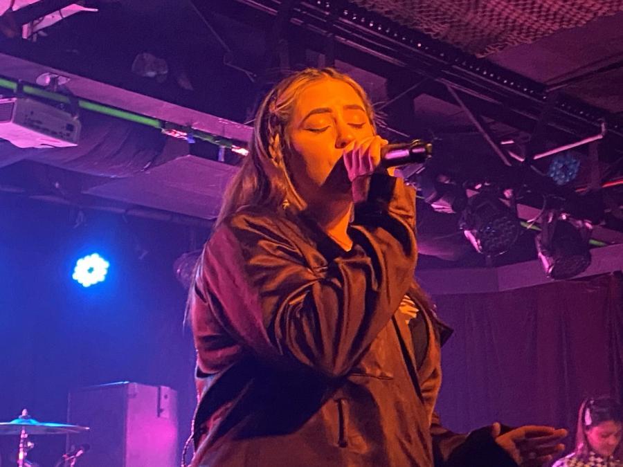 tia gostelow singing