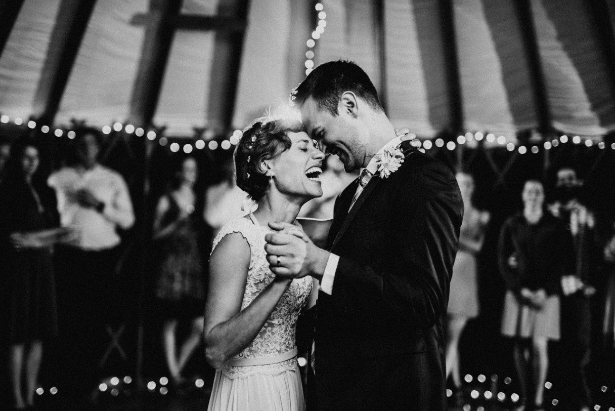 wedding poses for couples