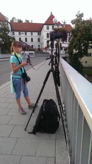 Meine Tochter wartet auf den Supermond August 2014