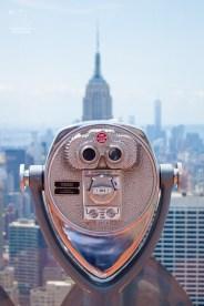 http://junghahn24.com/es-geht-hoch-hinaus-top-of-the-rock/ Wer nicht alles sehen kann, kann mit ein wenig Kleingeld etwas weiter gucken.