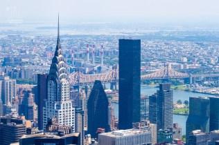 Chrysler Building, im Hintergrund die Queens Bridge.