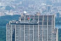 https://junghahn24.com/frueh-aufstehen-fuer-eine-alte-dame-freiheitsstatue/ https://junghahn24.com/neue-hoehen-werden-erobert-empire-state-building/ Der Sitz von CNBC befindet sich im Rockefeller Center.