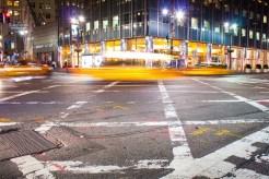 Charakteristisch für New York City sind die als Yellow Cab bekannten Taxis. http://junghahn24.com/mit-der-u-bahn-raus-zu-fuss-wieder-rein-brooklyn-bridge/