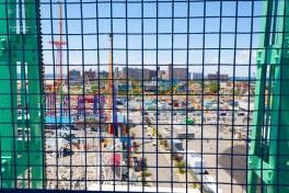 Am Strand von Coney Island erwartet den Besucher ein Vergnügungspark, Bars, Restaurants und Geschäfte mit allerlei Kitsch und Strandzubehör. http://junghahn24.com/finale-in-new-york/