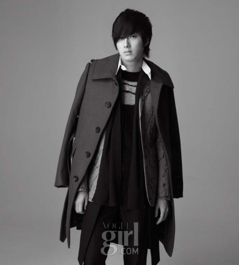 2007 12 Vogue 4