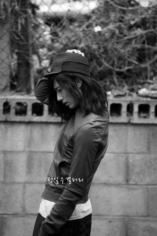 2009 3 Elle Girl JIW 4