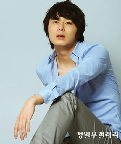 2009 8 11 JIW Another Blue Shirt 9