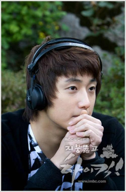 2009 JIW High Kick BTS 2 26