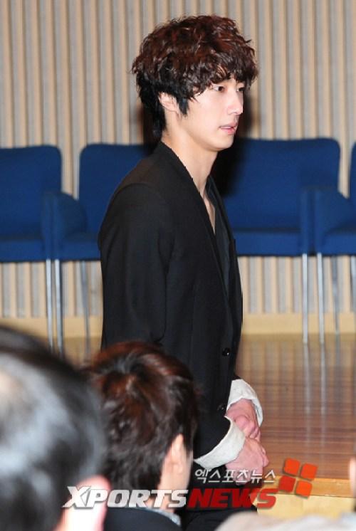 2011 3 8 49 Days Pres Con JIW 1