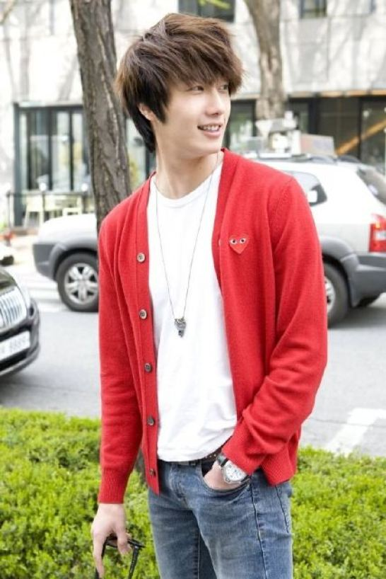 2011-5-jiw-49-days-bts-red-cardi-14.5.jpg