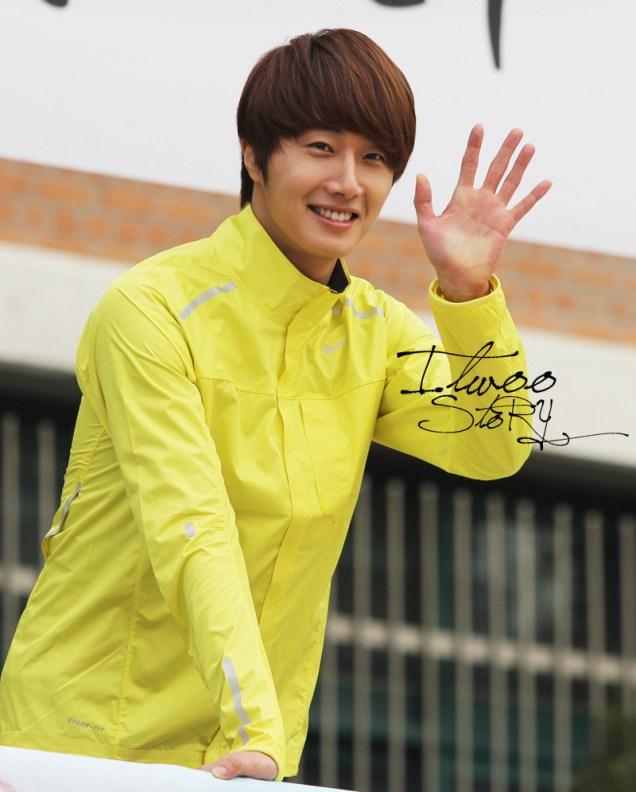 2011 10 09 Jung II-woo Athletic Fan Meeting 00072