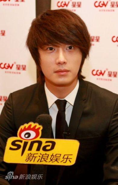 2011 27 Sina Interview 14