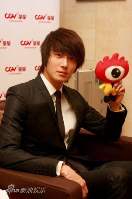 2011 27 Sina Interview 4