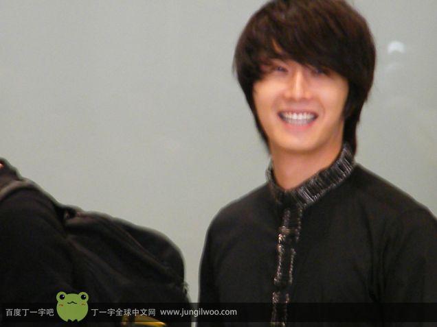 2011 8 Travel to China Airport4