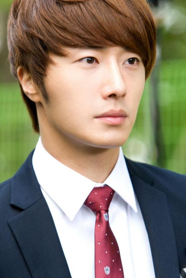 2011 Flower Boy Ramyun Shop Jung II-woo 100116.jpg