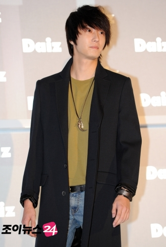 2011-JIW D Daiz Black overcoat 4