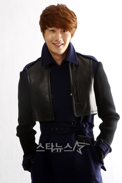 2011 11 12 Jung II-woo for Star News 00002