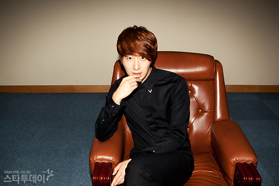 2011 11 12 Jung II-woo for Star News 00005