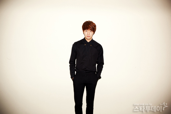 2011 11 12 Jung II-woo for Star News 00009