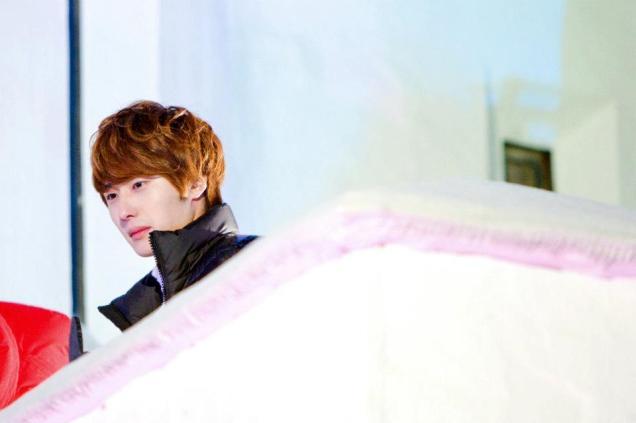 2011 12 19 Jung II-woo in FBRS Ep 15 X00021