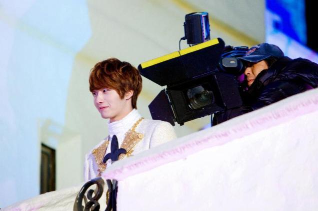 2011 12 19 Jung II-woo in FBRS Ep 15 X00022